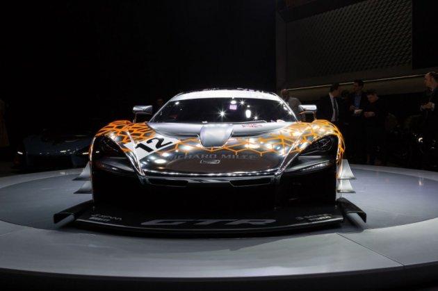 McLaren представила самый быстрый серийный суперкар