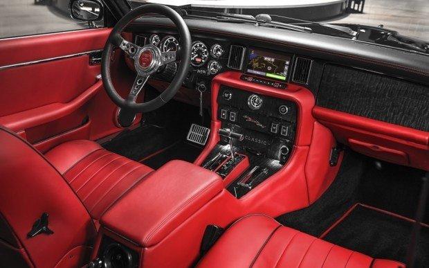 Jaguar собрал для знаменитого барабанщика ретро-автомобиль