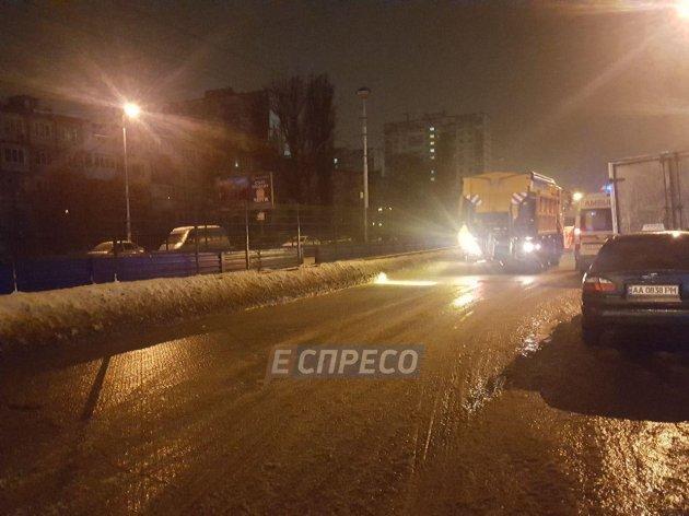 Масштабное ДТП в Киеве: столкнулись семь авто