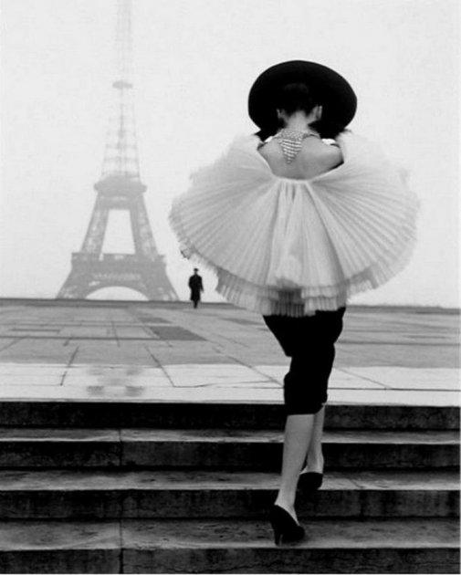 Так выглядели в прошлом веке модники и модницы. Фото