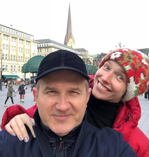 Юрий Горбунов порадовал свежими фото с женой