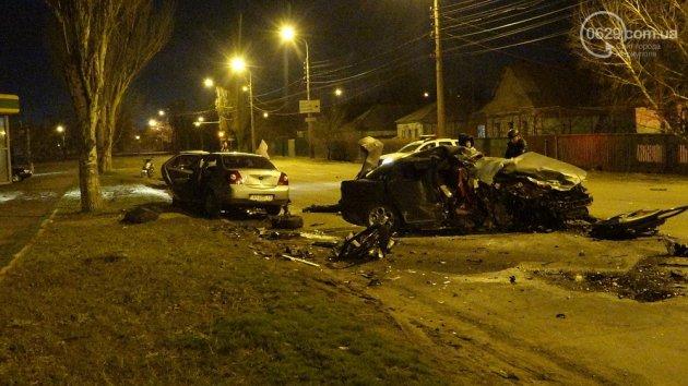 Смертельное ДТП в Мариуполе: трое погибших