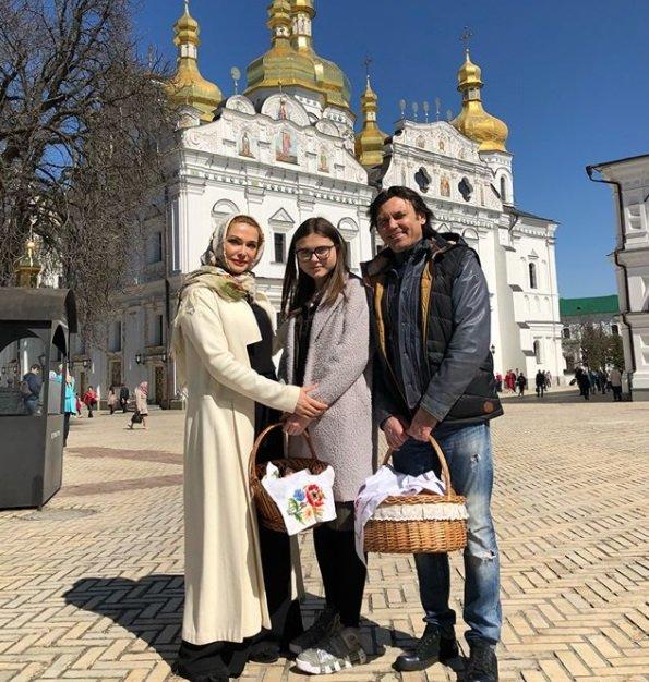 Ольга Сумская порадовала новыми семейными фото