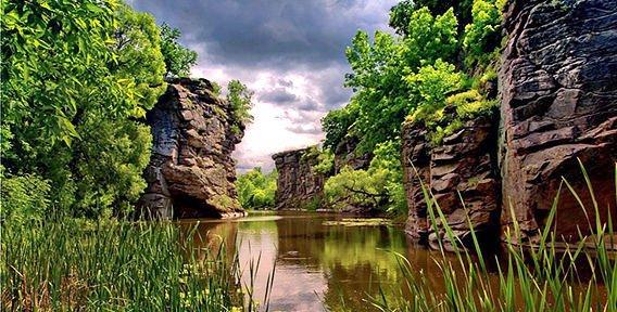 Самые красивые места в Украине, которые нужно увидеть весной. Фото