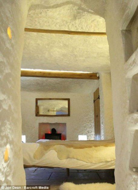 Так выглядит пещера, переоборудованная в жилье. Фото