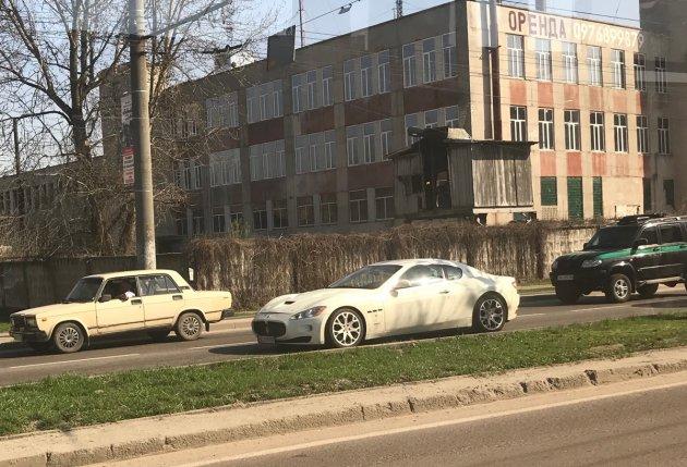 В Украине засекли редкий спорткар от Maserati