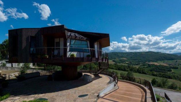 Итальянцы построили крутящийся дом. Фото