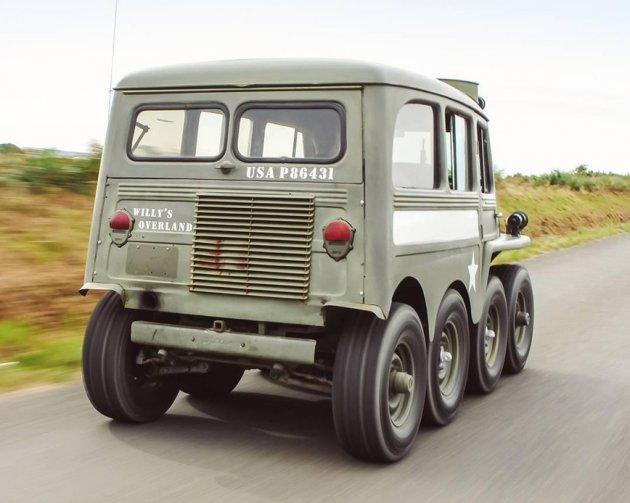 В Сети показали уникальный Willys Jeep 8Х8 Centipede
