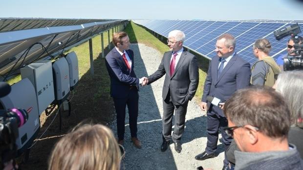 В Запорожской области запустили первую очередь крупнейшей в Украине солнечной электростанции