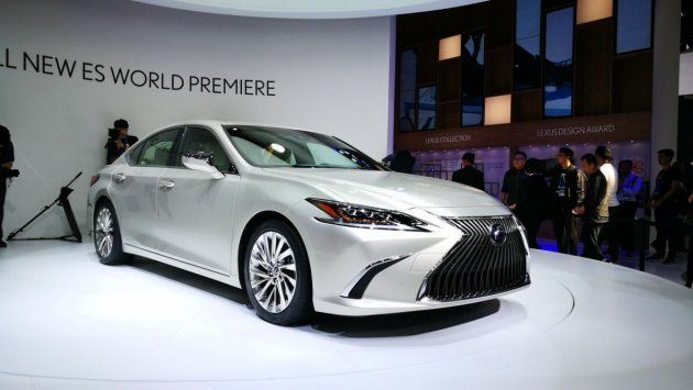 Lexus показала роскошный седан нового поколения