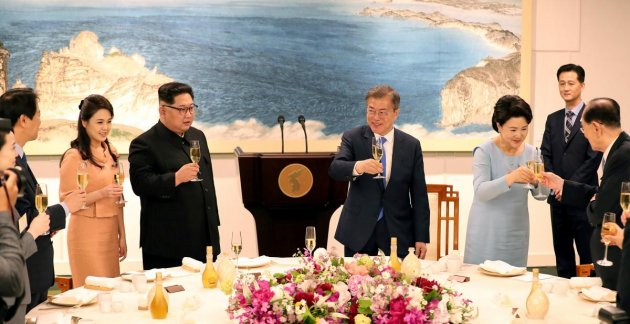 Первые леди КНДР и Южной Кореи встретились на историческом саммите