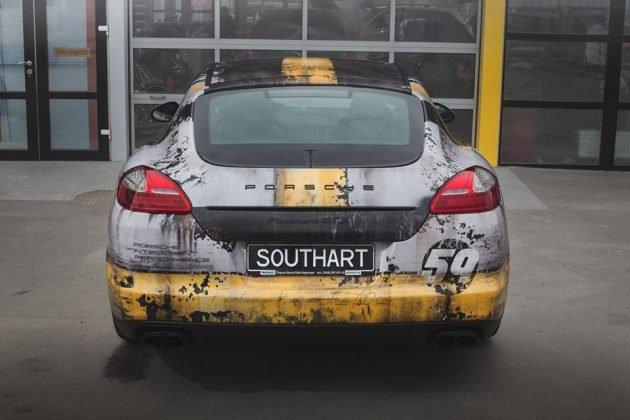 Украинец превратил свой Porsche в ржавое «корыто»