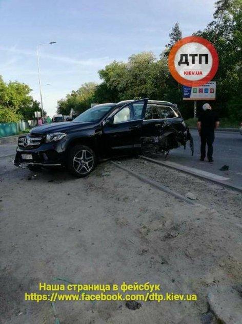 Под Киевом произошло масштабное ДТП с участием нескольких автомобилей