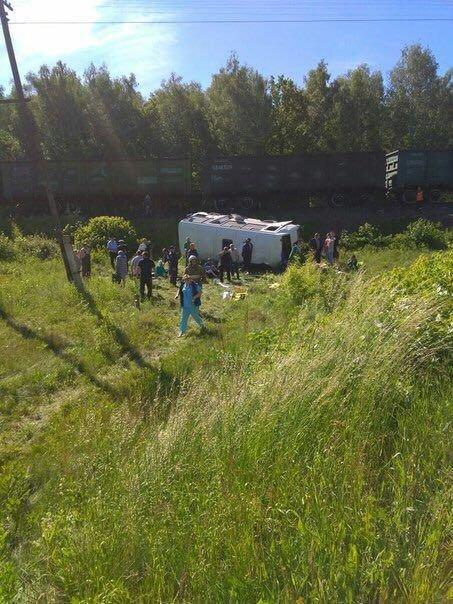 В России поезд врезался в автобус с музыкантами, есть жертвы