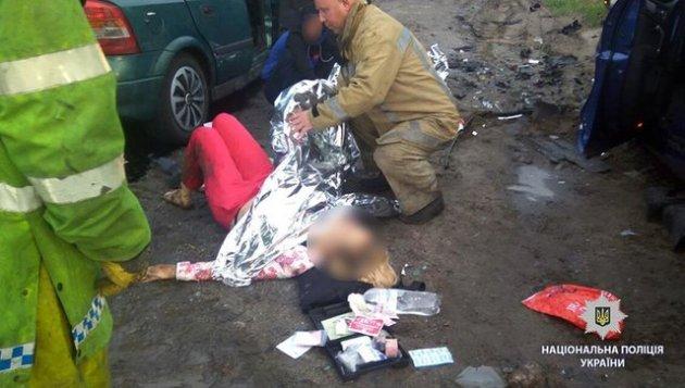 Под Харьковом лоб в лоб столкнулись два авто