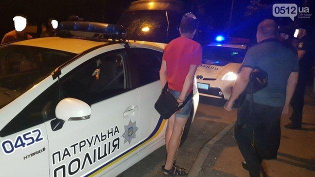 В Николаеве двое мужчин  надругались над 12-летней девочкой