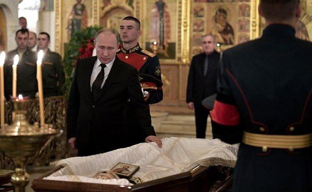 В Москве прощаются со Станиславом Говорухиным