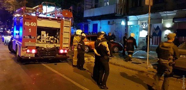 В центре Одессы взорвался автомобиль