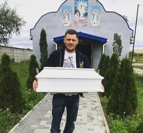 У известного украинского боксера умер сын