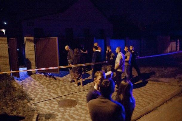 В Днепре во дворе собственного дома расстреляли мужчину