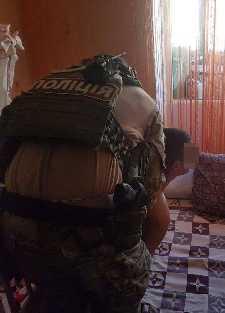 На Житомирщине задержали АТОшника, развращавшего годовалую дочь