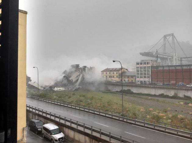 На півночі Італії обвалився міст. Фото