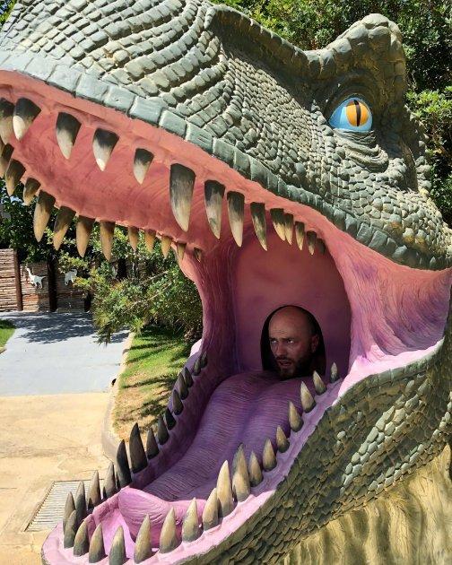 Влада Яму «з'їв» динозавр
