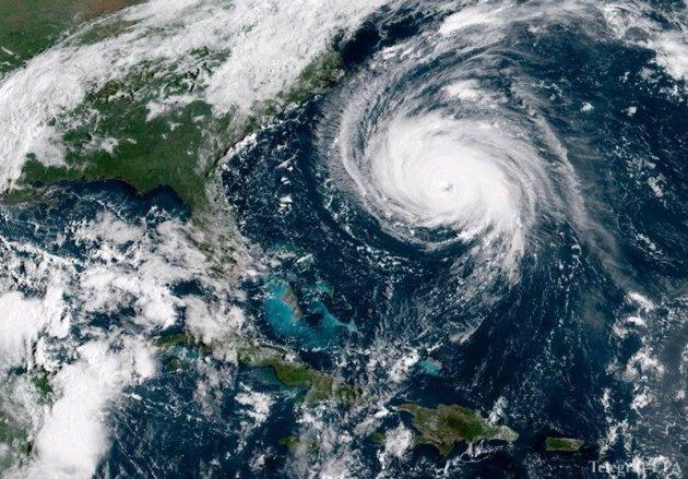 Стихійне лихо: руйнівний ураган на узбережжі США. Фото