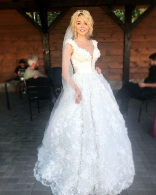 Аліна Гросу постала в образі нареченої. Фото