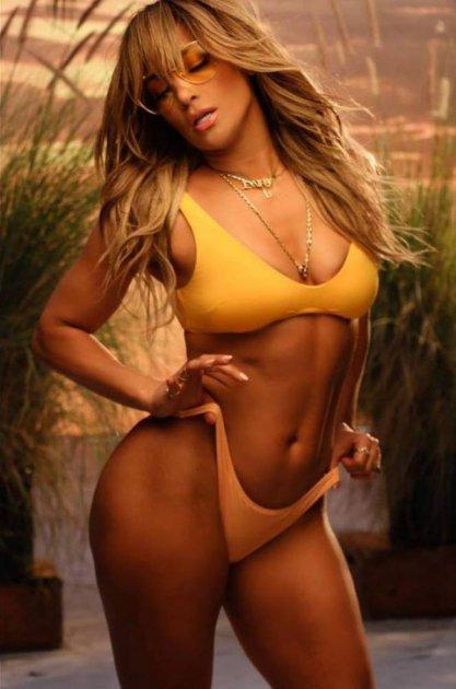Джей Ло продемонструвала розкішне тіло. Фото