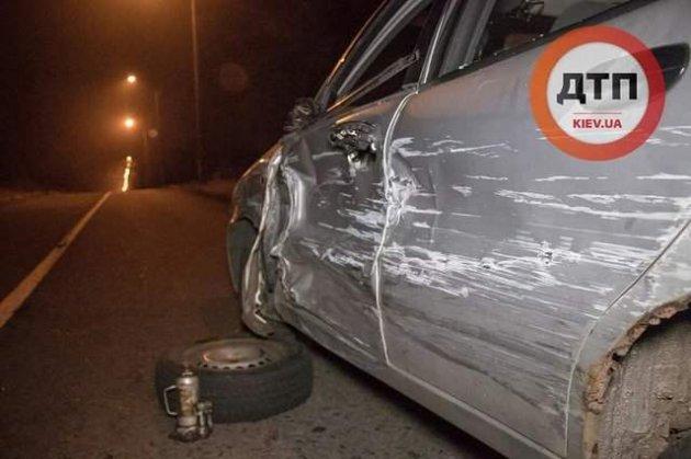 У Києві п'яний водій влаштував ДТП і втік в ліс