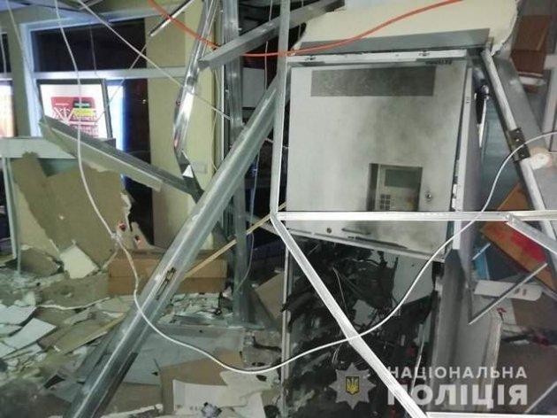 В Харкові невідомі підірвали банкомат