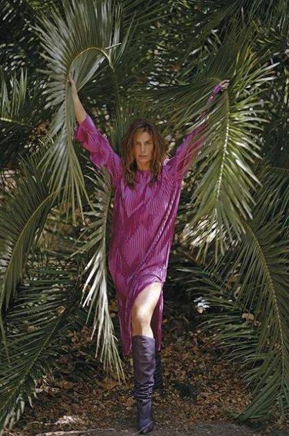 Сінді Кроуфорд здивувала провокаційним фотосетом
