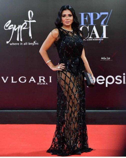 Єгипетській акторці загрожують ґрати через відверту сукню