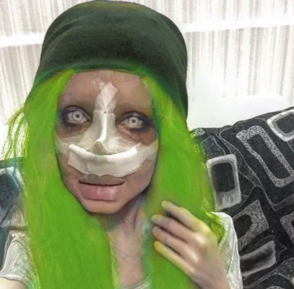 «Зомбі-копія» Анджеліни Джолі шокувала зовнішнім виглядом