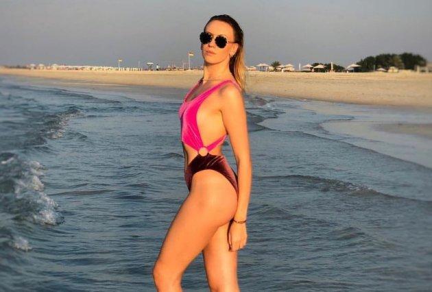 Леся Нікітюк похвалилася новим пляжним фото