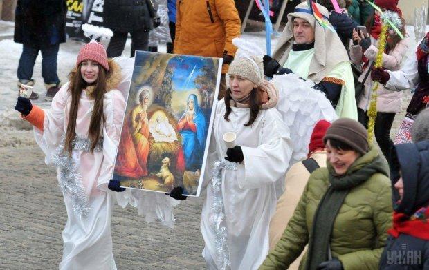 До мурашек: тысячи украинцев съехались со всей страны на общую коляду (ВИДЕО)