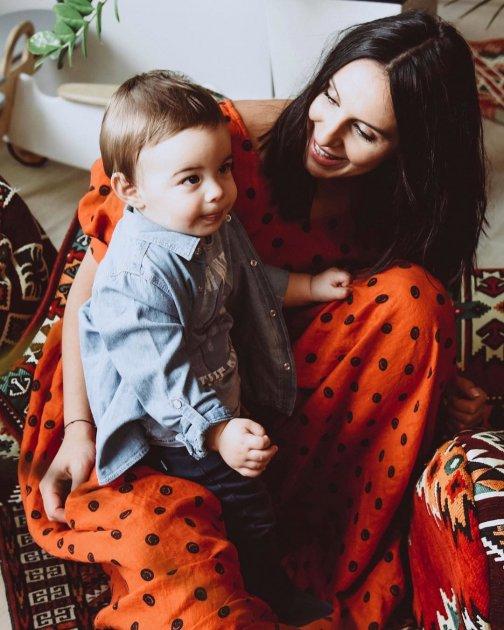 Шанувальники у захваті від нового фото Джамали з її сином