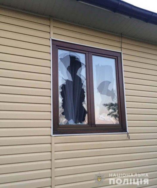 На Рівненщині в будинок депутата поцілили гранатою