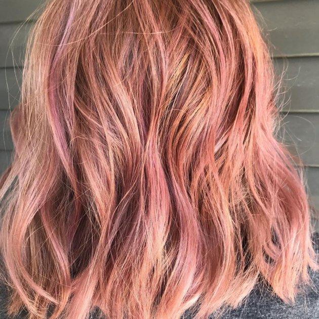 Стилісти розповіли, який колір волосся цього літа у модниць найпопулярніший