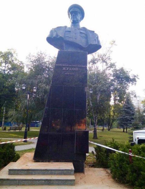 Виконав обіцяне: Кернес повідомив про відновлення пам'ятника Жукову