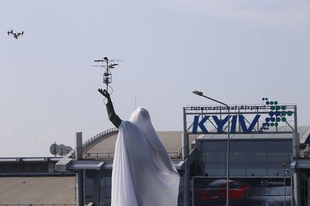 В Києві відкрили пам'ятник видатному авіаконструктору