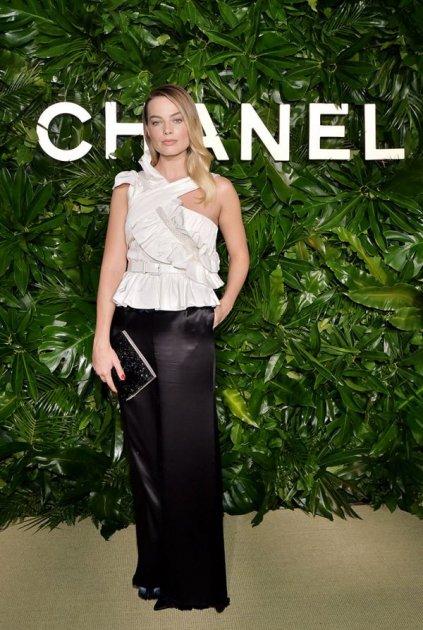 Марго Роббі стала новим обличчям Chanel