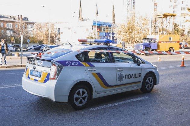 У Києві автобус з пасажирами врізався у стовп