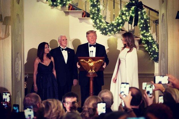 Меланія Трамп сяяла у білосніжній сукні на балу. Фото