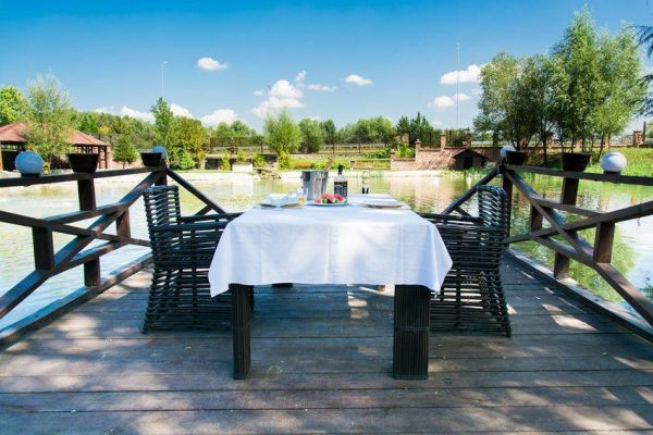 Загородный ресторанный комплекс «Аквариус»