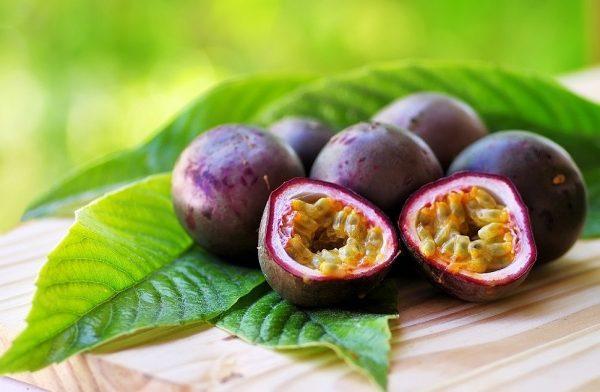 Маракуйя вкусный, ароматный и сочный экзотический фрукт, который может позволить себе каждый