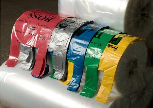 Пленки, упаковки, пакеты и прочая продукция из полиэтилена