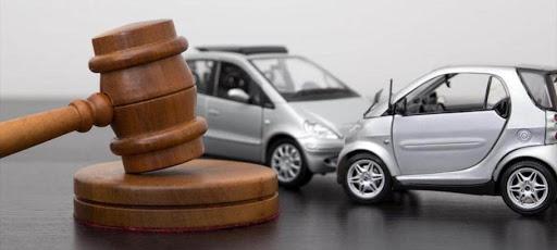 Почему стоит нанять адвоката при ДТП