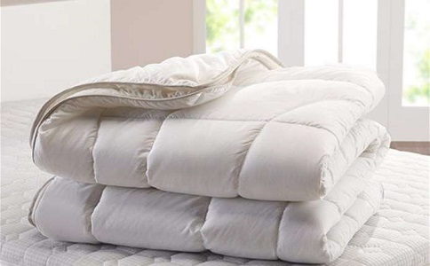 Теплые и качественные одеяла для дома